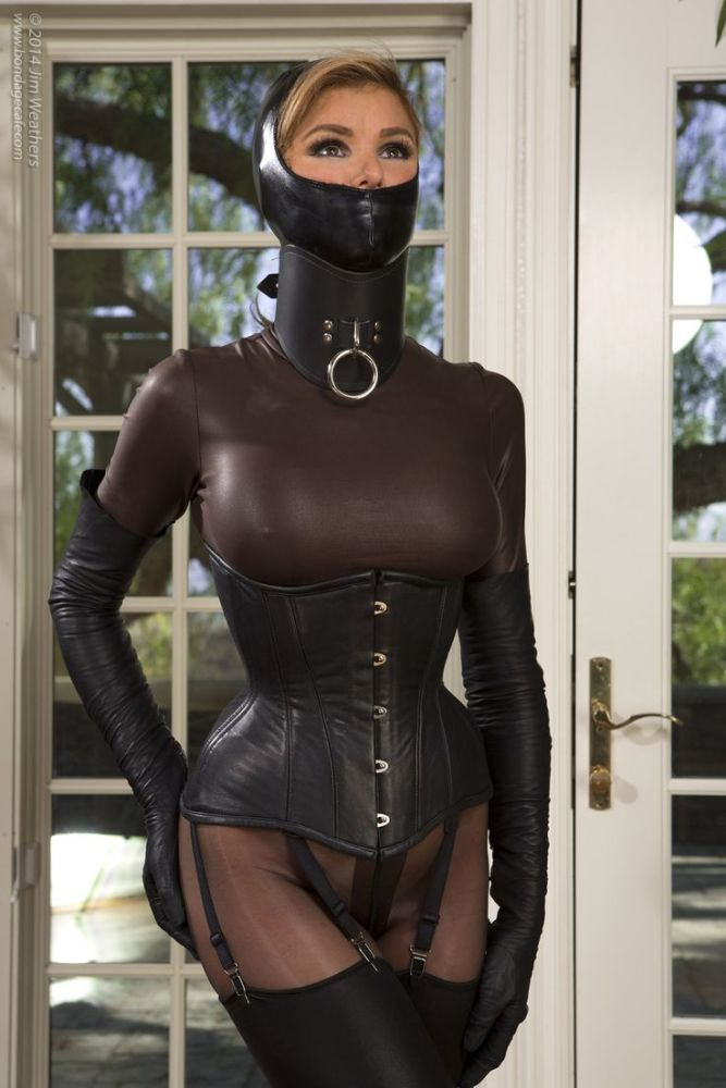 Viktoria Latex Fetish Imagepost 1