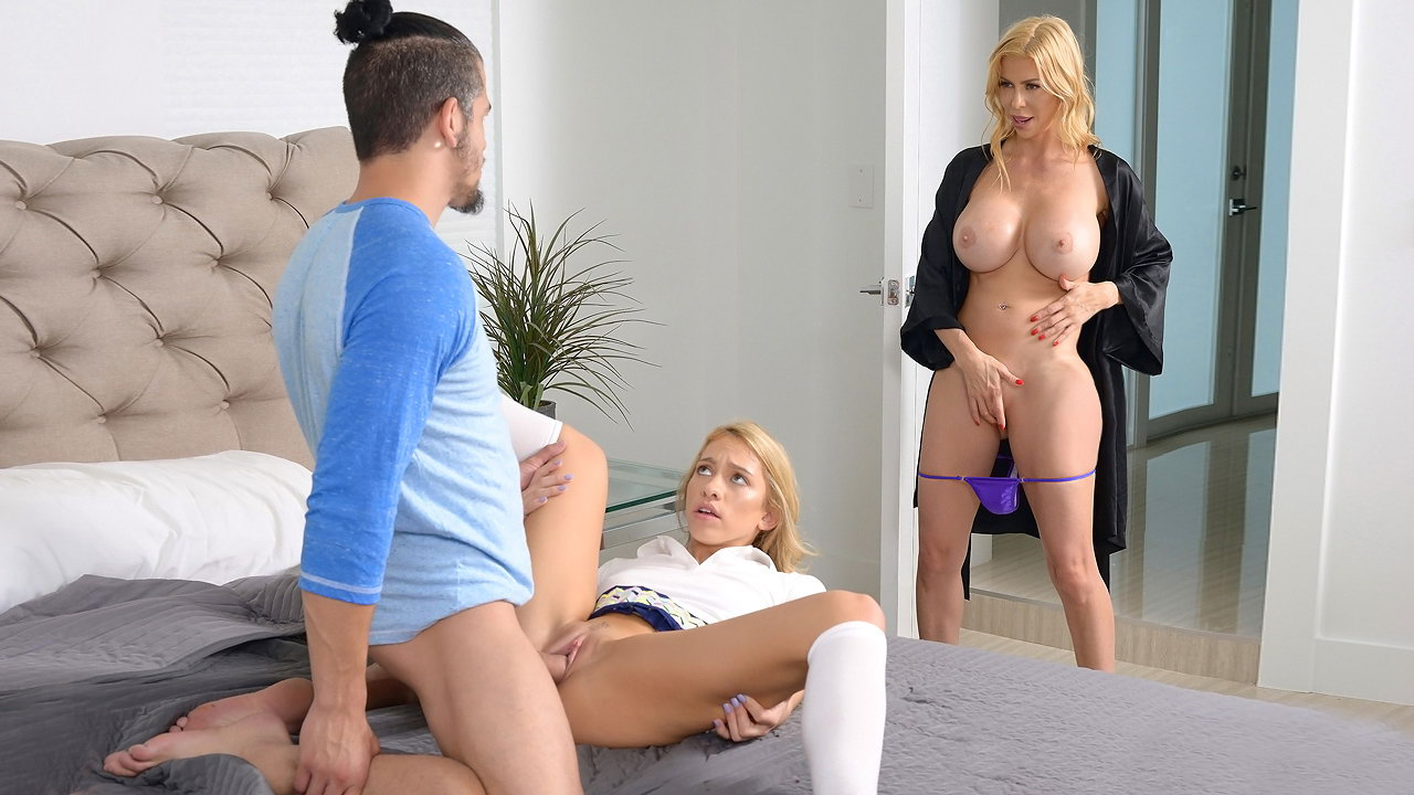 Gorgeous milf seduces young dude living nextdoor
