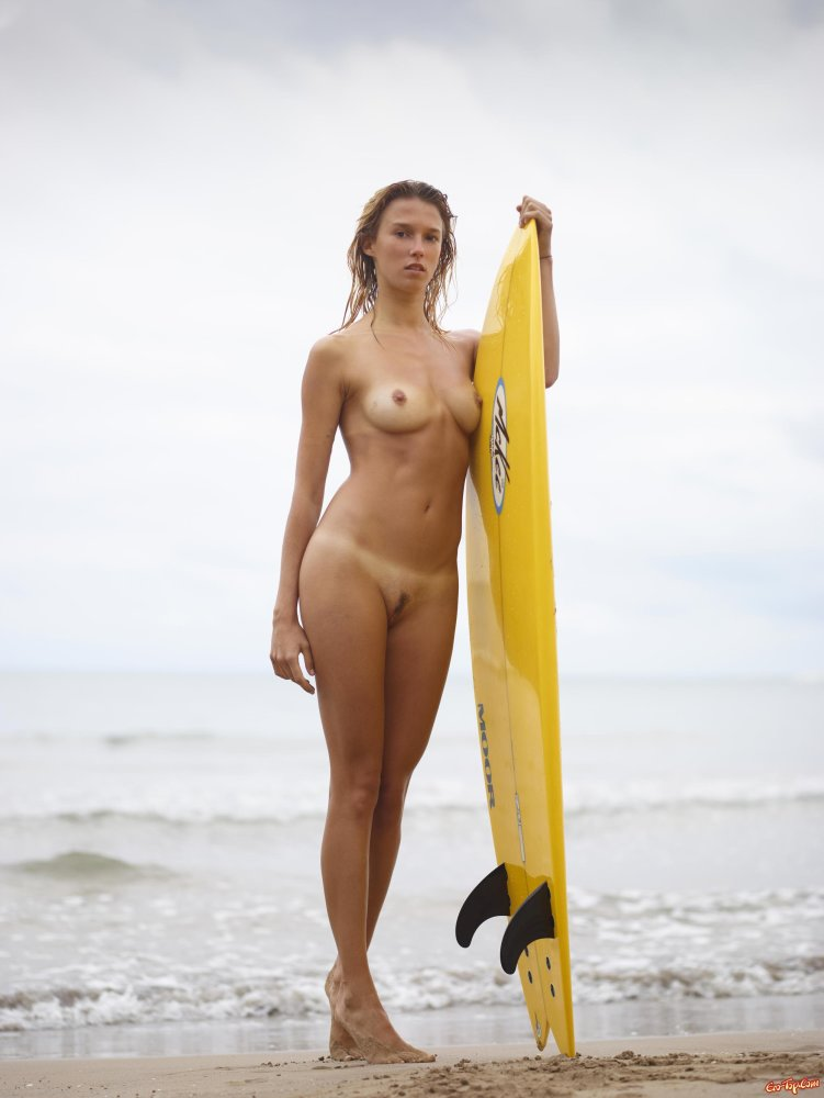 Surfing Champ's Naked Pitch For Sydneysiders To Embrace Self