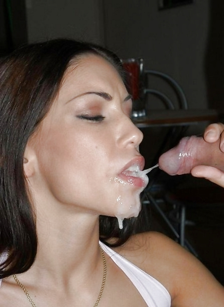 Amature blowjob swallow