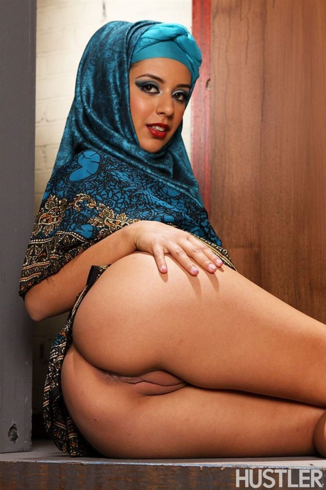 Sexy arab nudes hot boobs