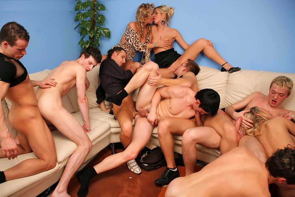 Very hot bisexual orgy