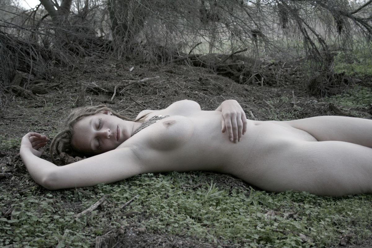 Survive Naked, Survive Pretty