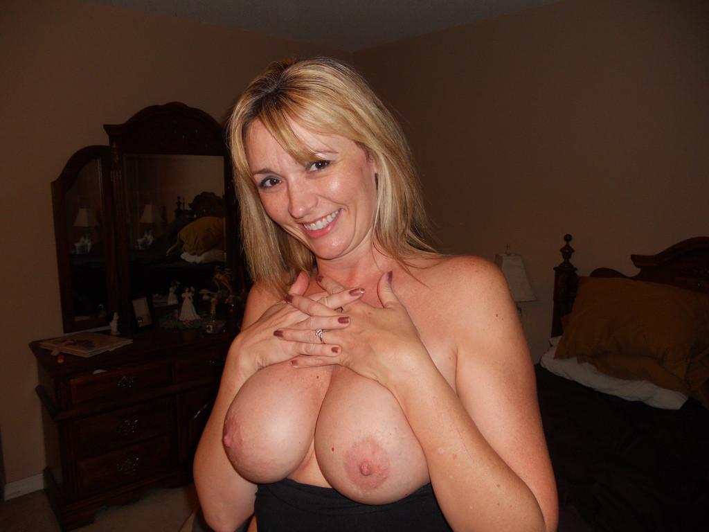 Mature amateur wife flashing tits