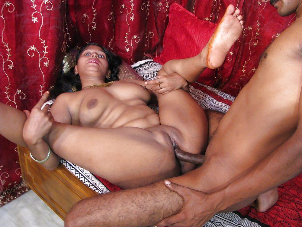 Vintage naked mature women
