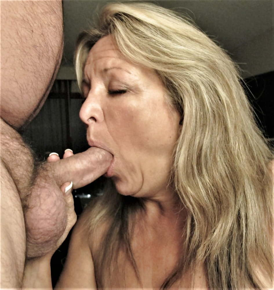 Mature sucking dick movies