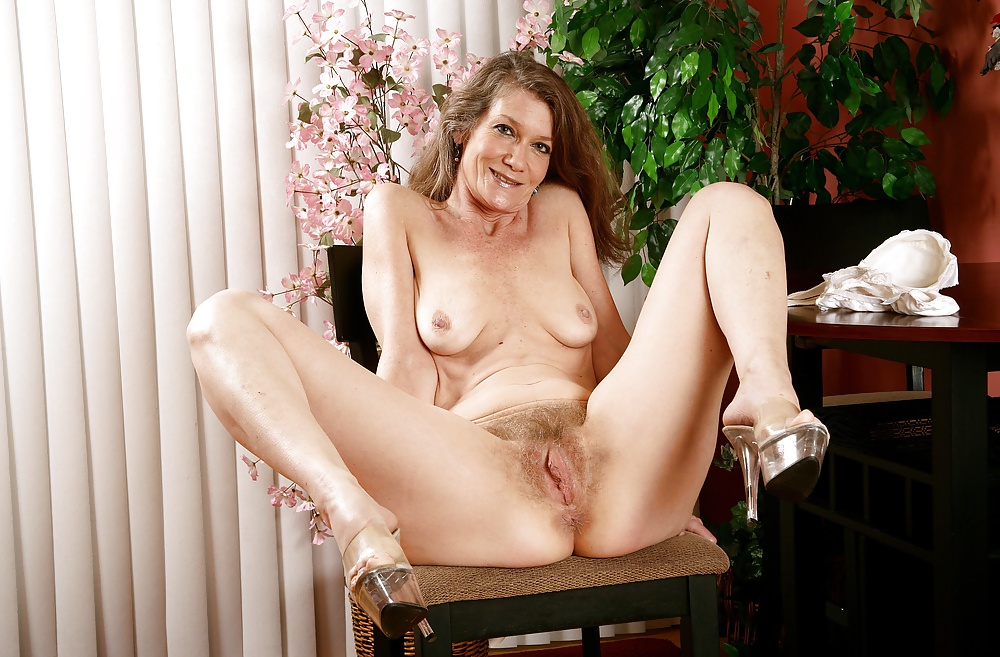 Hairy Mature Galleries