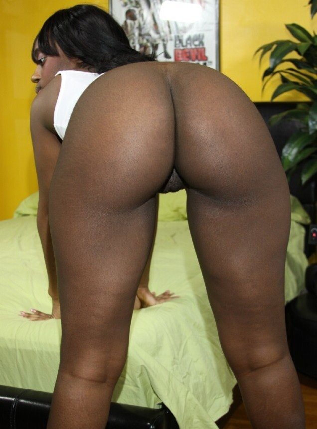 Ebony chocolate phat ass - Other