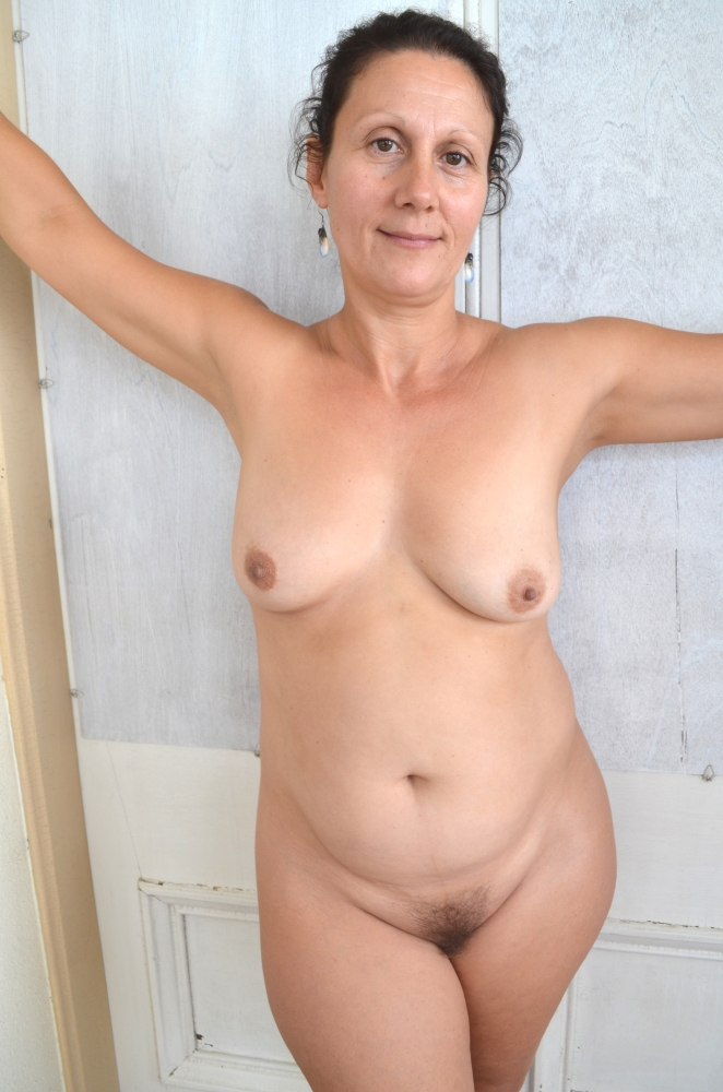 Natural Mature Women Pictures
