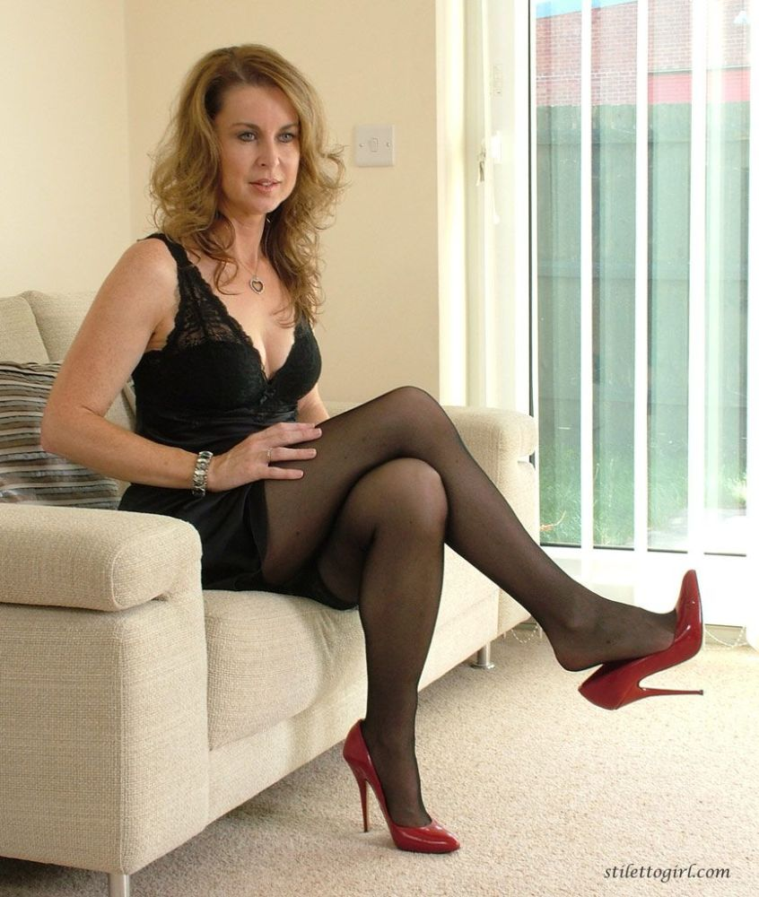Milf Misha Mynx Naked In Only Her Red Heels