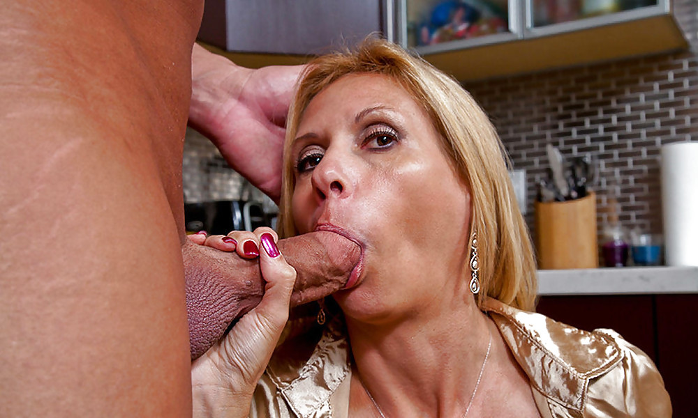 Amateur mature blonde wife gives her husband a sloppy blowjob