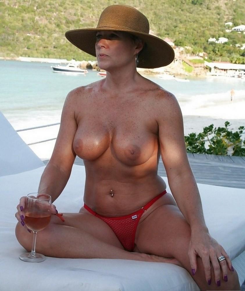 Bikini Mom Pics