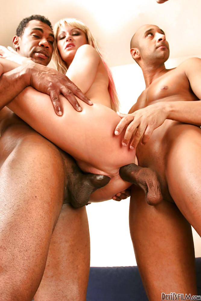 Wiska Pounding Her Holes With Four Pink Haired Penis 1