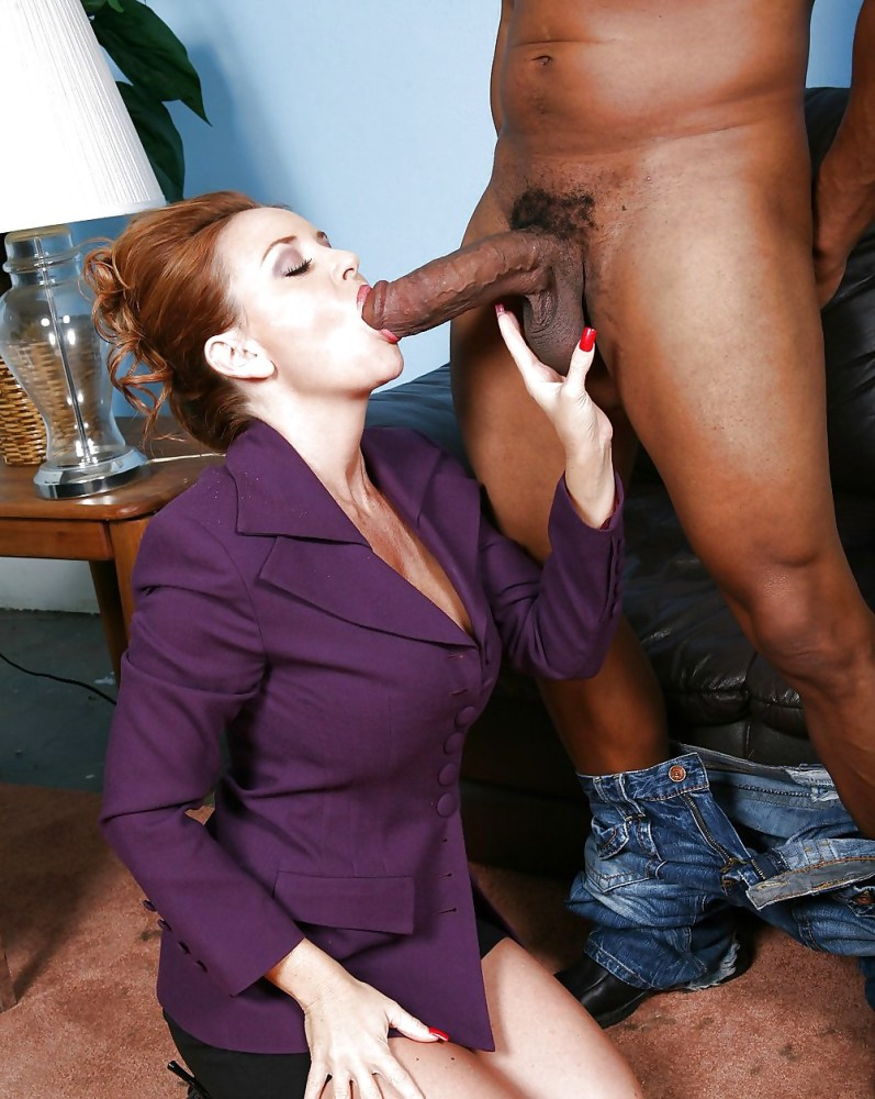 Tushy european beauty gapes for her husband's boss