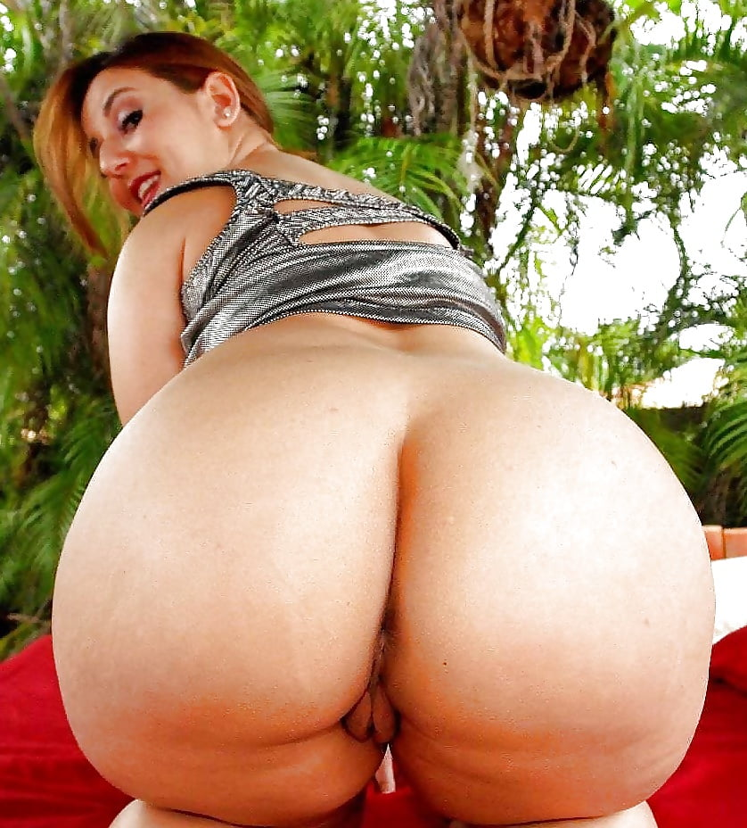 Big fat white bbw butt with wobble slowmo ass
