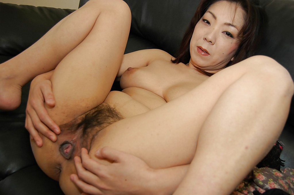 After hot sex this asian milf receives