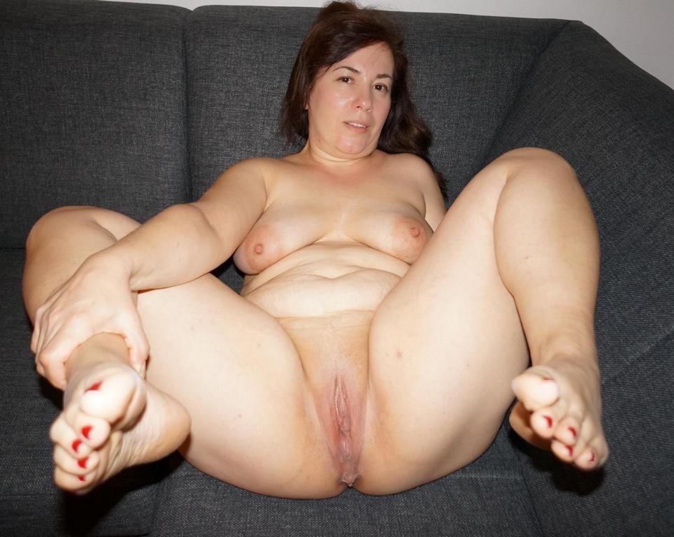 Chubby naked sluts