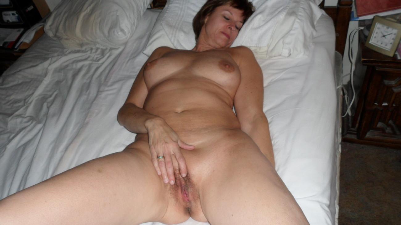 Naked wife selfie