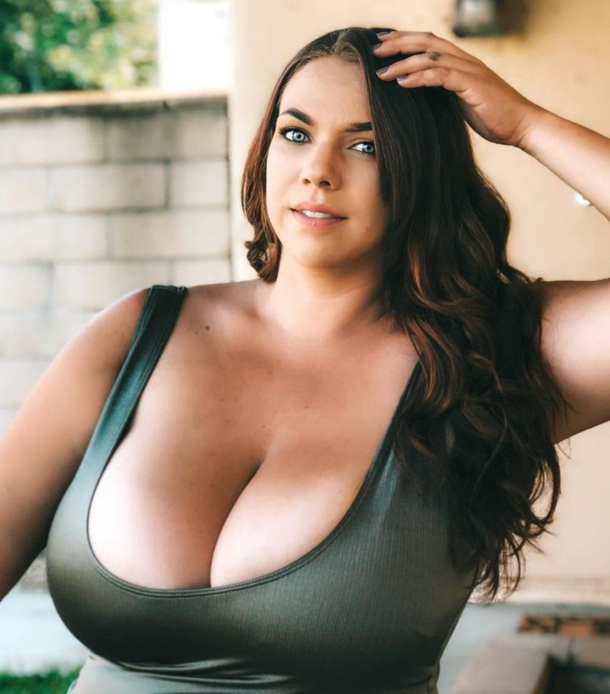 huge-busty-girls