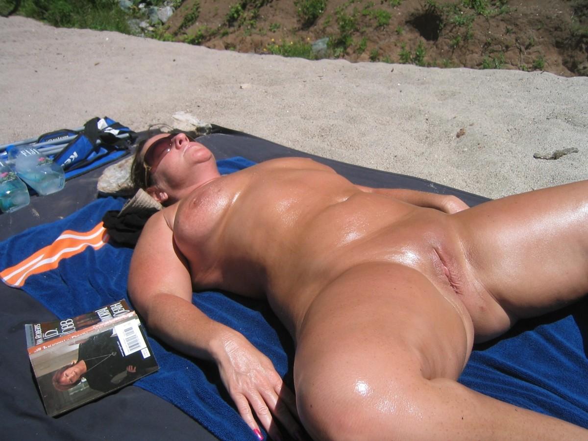 Pick up beach milfs pics