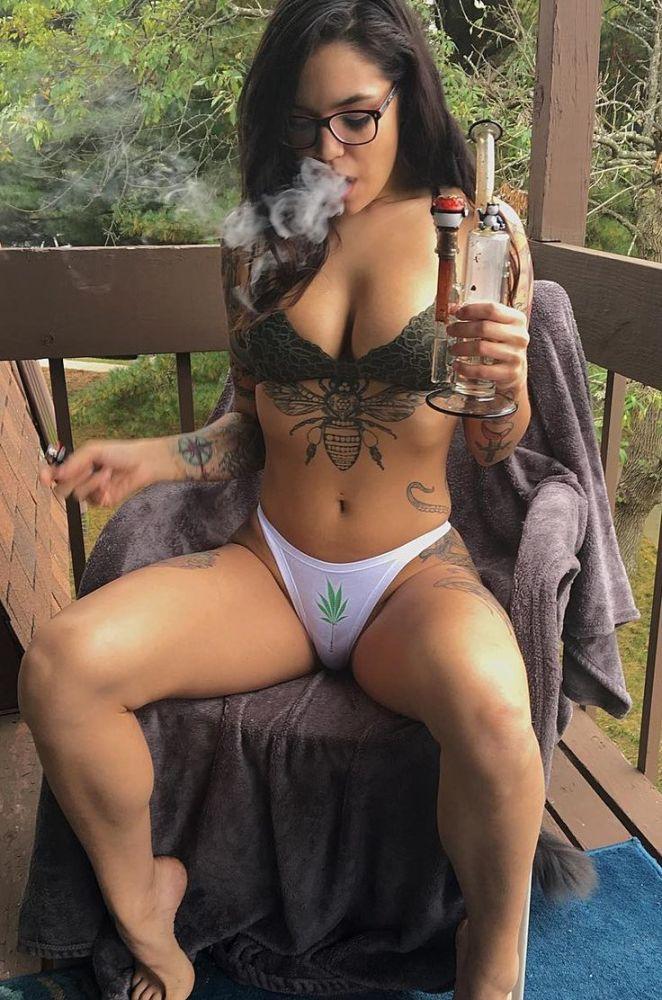 Sexy drug girls