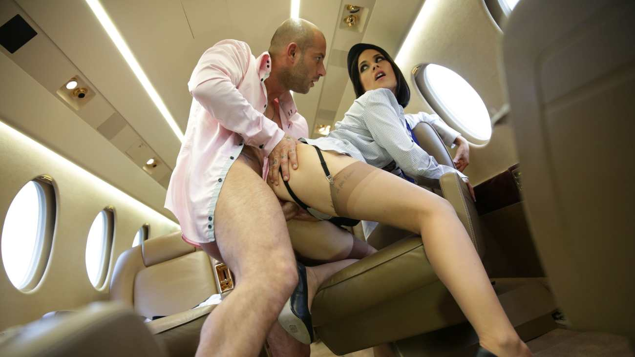Airline stewardess fucks pilot