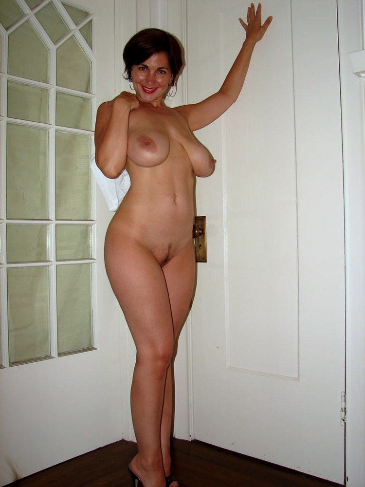Voluptuous nude women