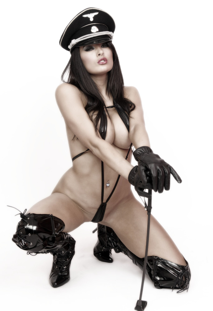 Nazi girls nude pics — img 3