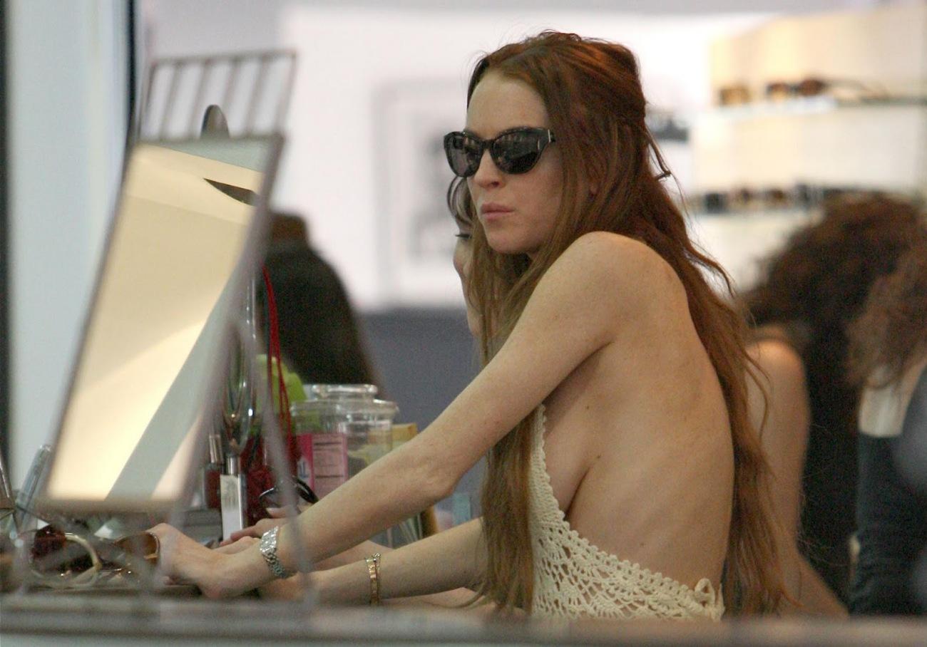 Free naked lindsay lohan nude