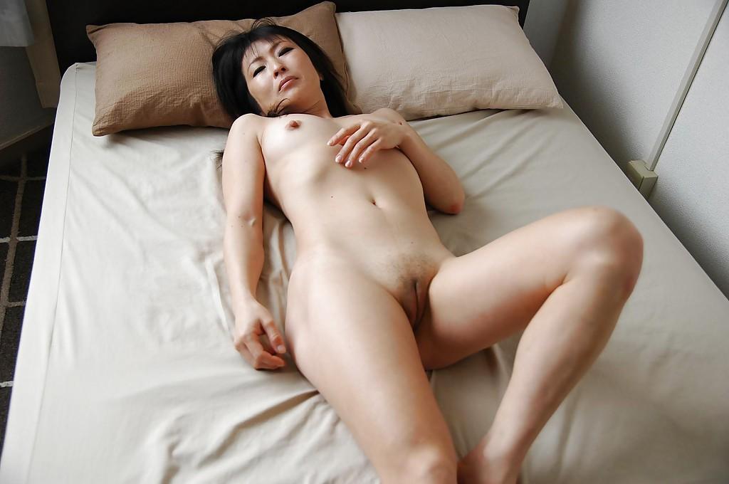 Horny Naked Teen Asian Pussy