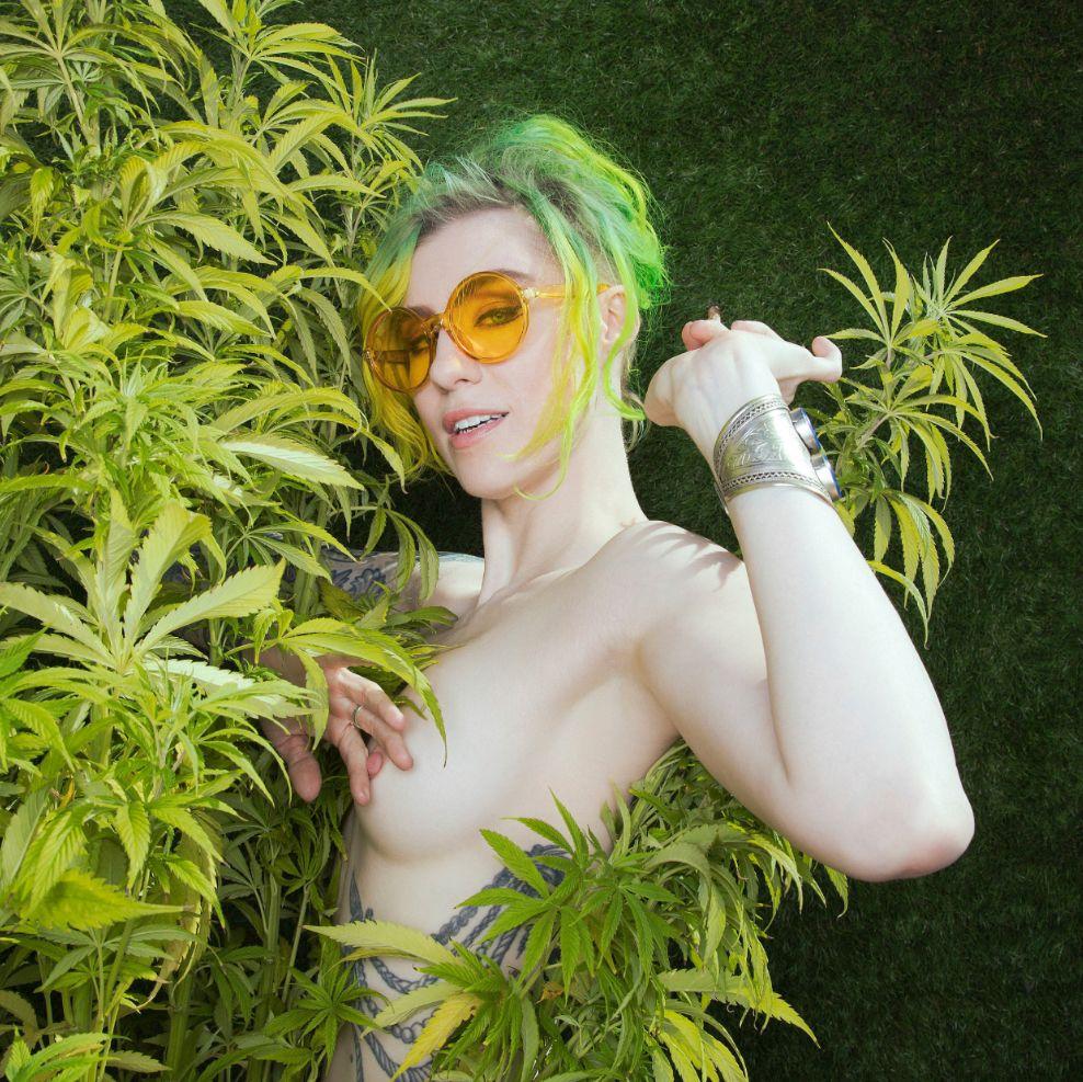 Nude comicbookgirl19 Comic Book