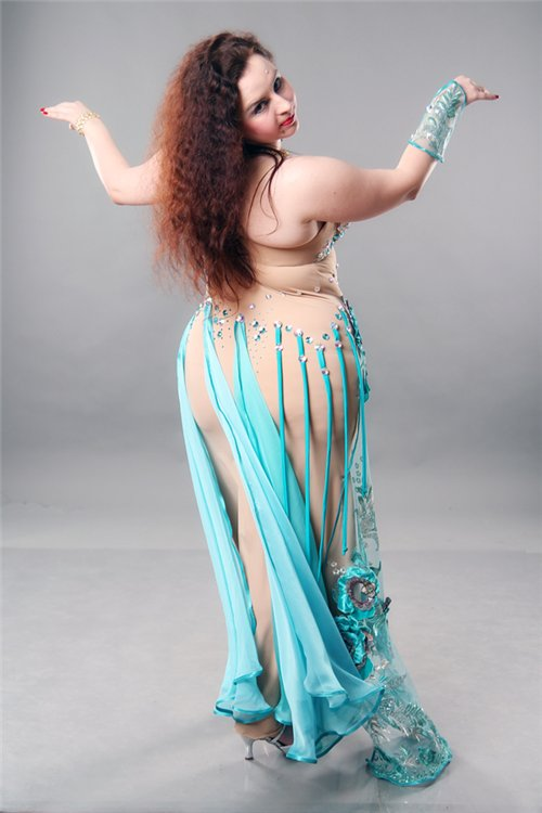 Indian belly dancer fucked by two big cocks