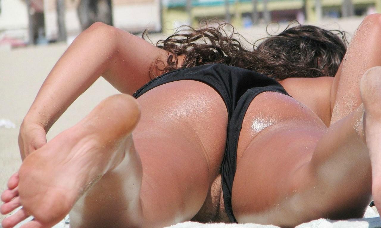 Maria Menounos Bikini Candids Pussy