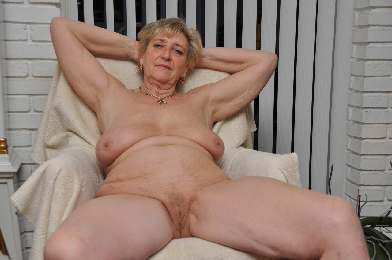 A fat old granny is getting a dick in her hairy old pussy