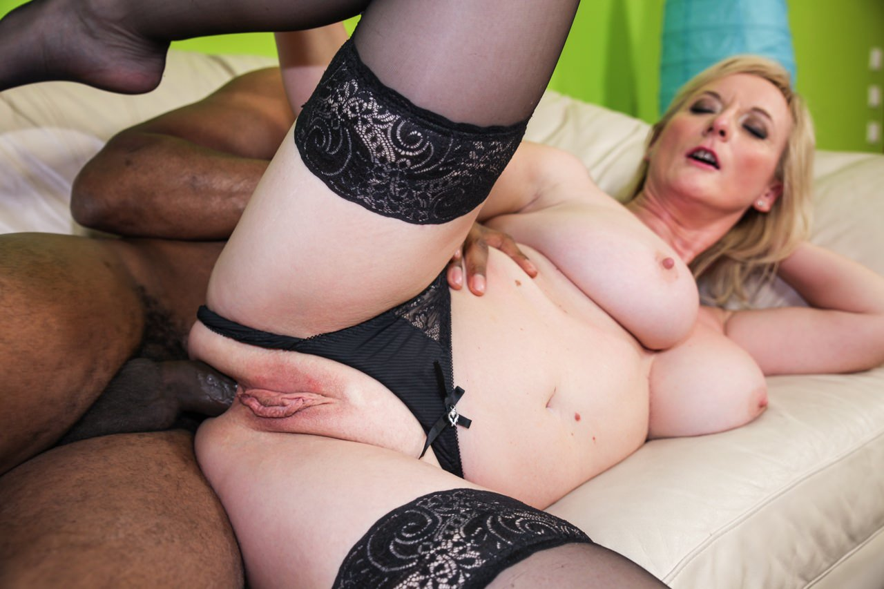 Beautiful Blonde Cougar Is Having Her Ass Prepared For Anal Sex