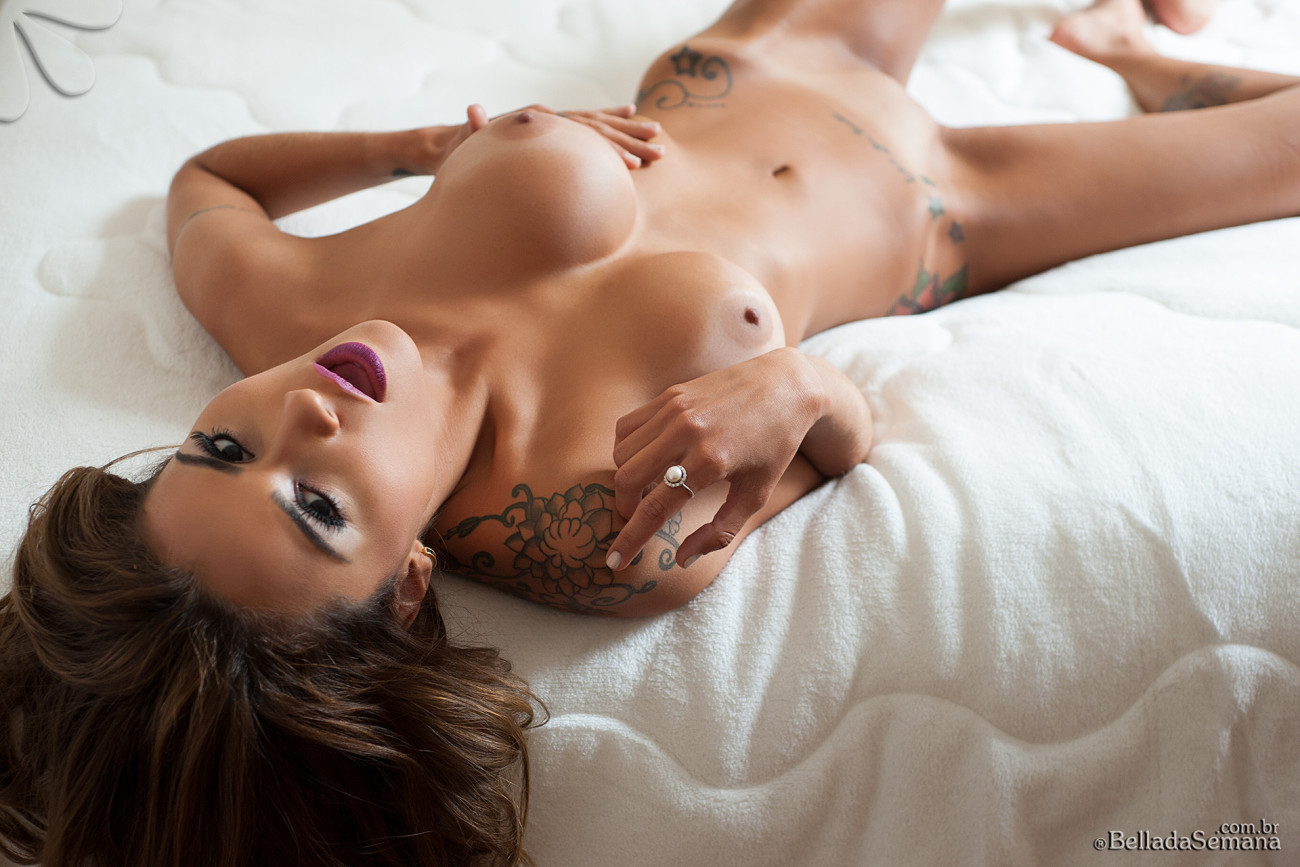 Amy Weber Nude Pictures amy weber nude - porn pictures.