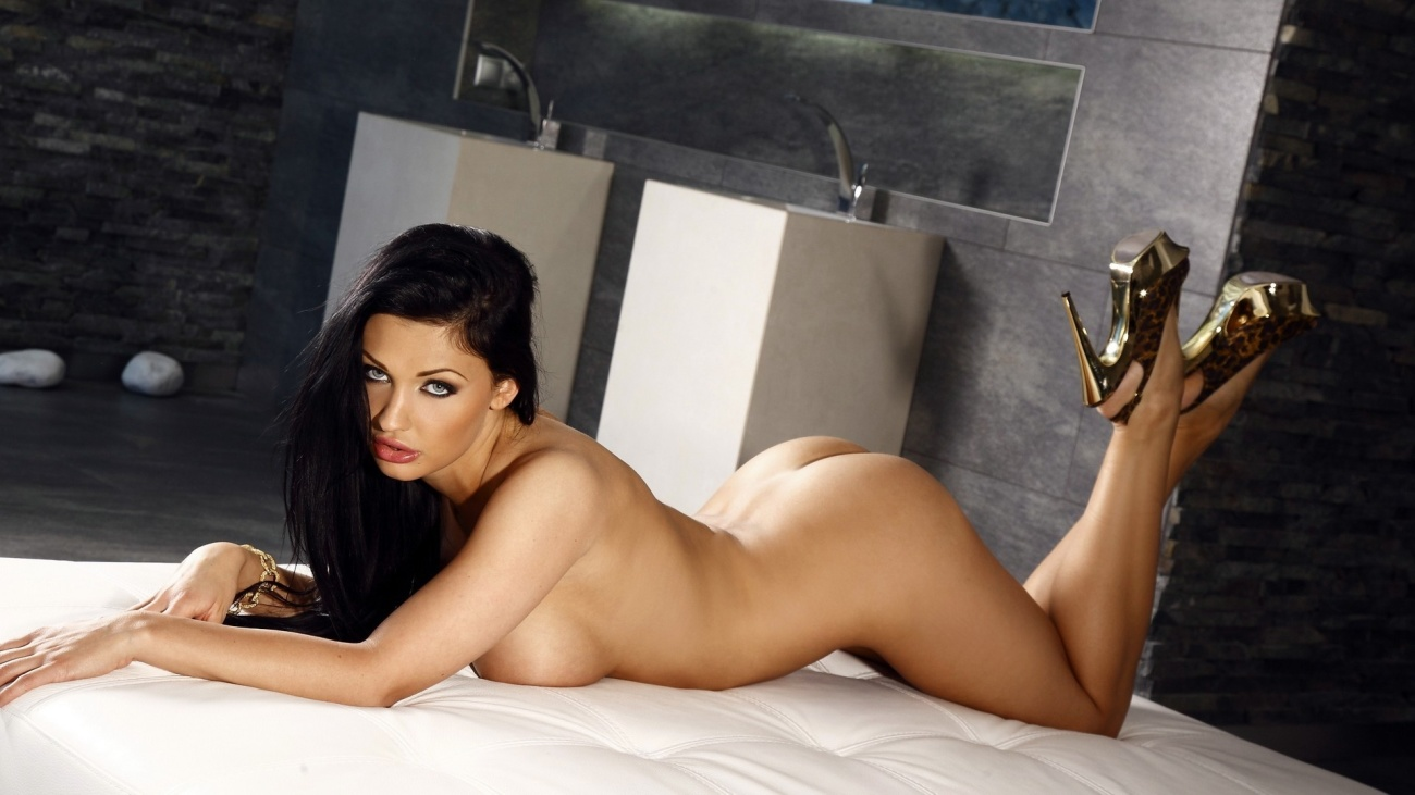 Super sexy and hot nude girls