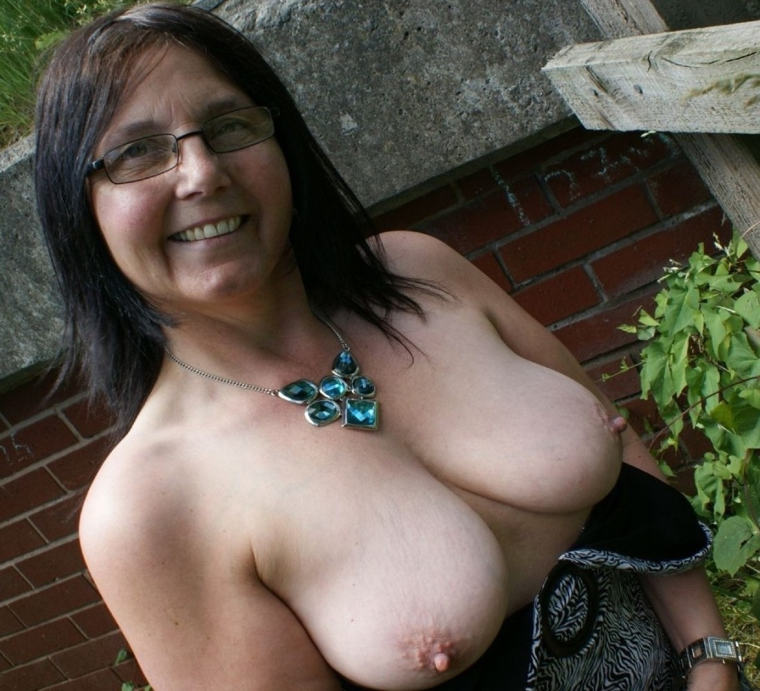 Milf with saggy tits wife
