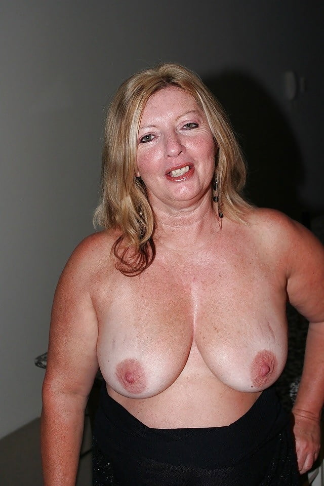 Naked mature women with big boob