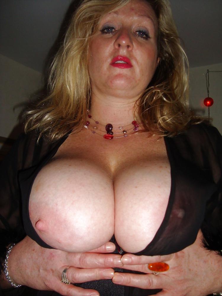 Mature Big Tits Porn Pics