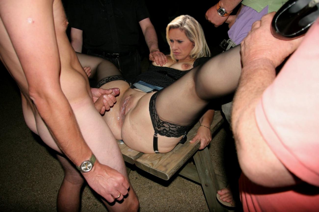 Milf Nude In Public Tumbler