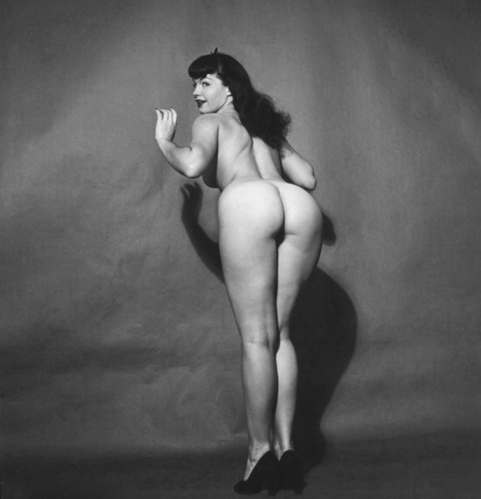 Great Shot Of Nude Bettie Page Lookalike