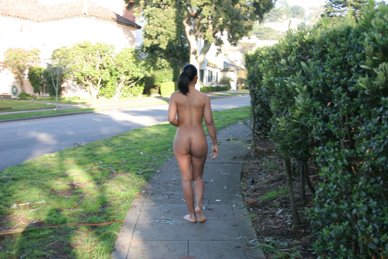 Fashionable outdoor striptease