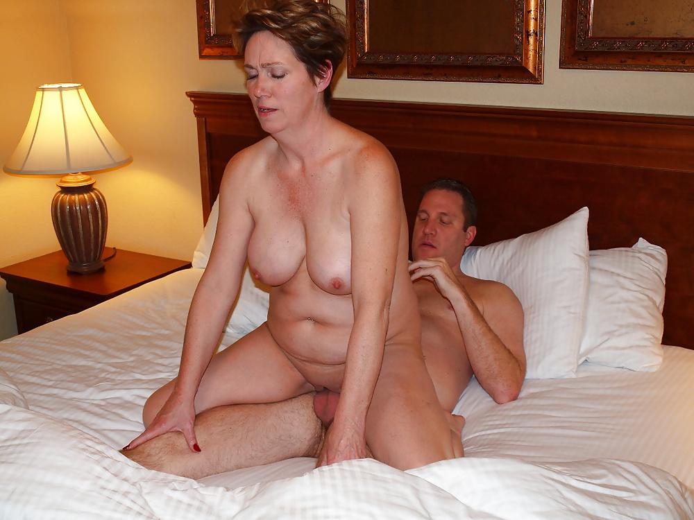 Horny mature wife pics