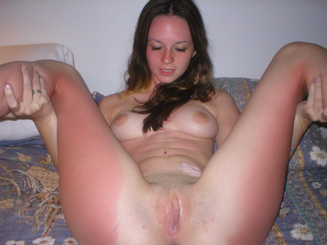Amateur home porn shaved pussy