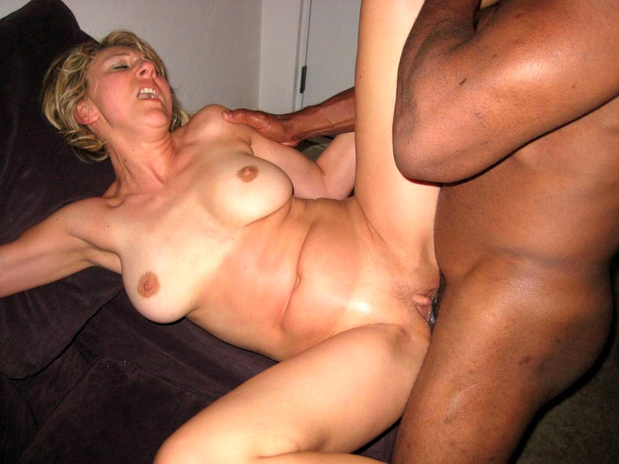 Oozing Creampie For Amateur Milf