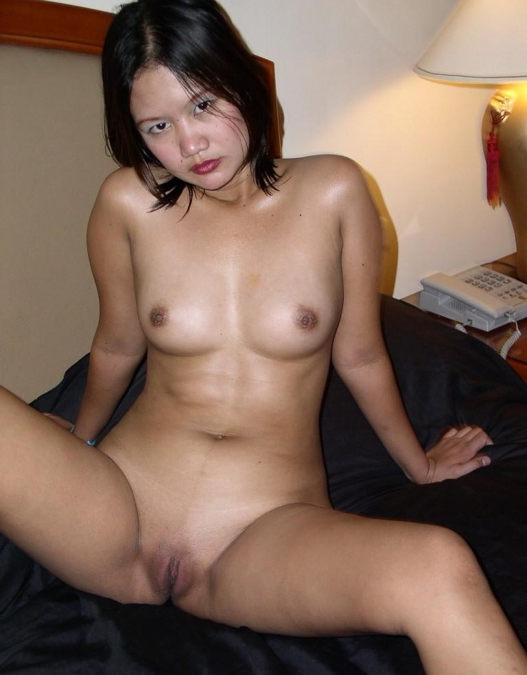 Pretty Thai Girl Naked On Cam