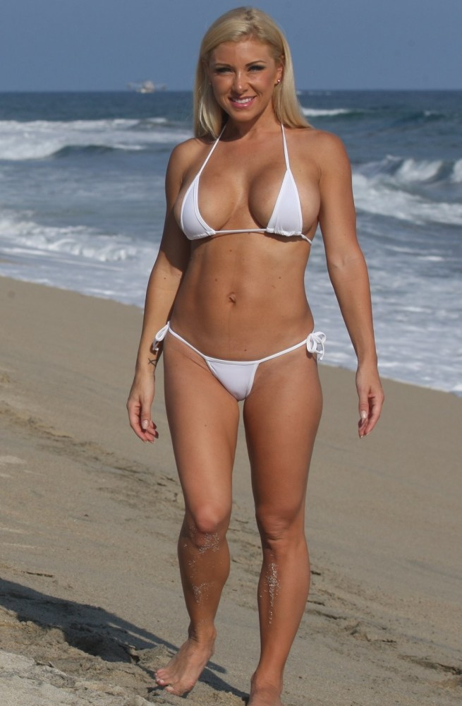 Busty bikini porn and mature boobs pics