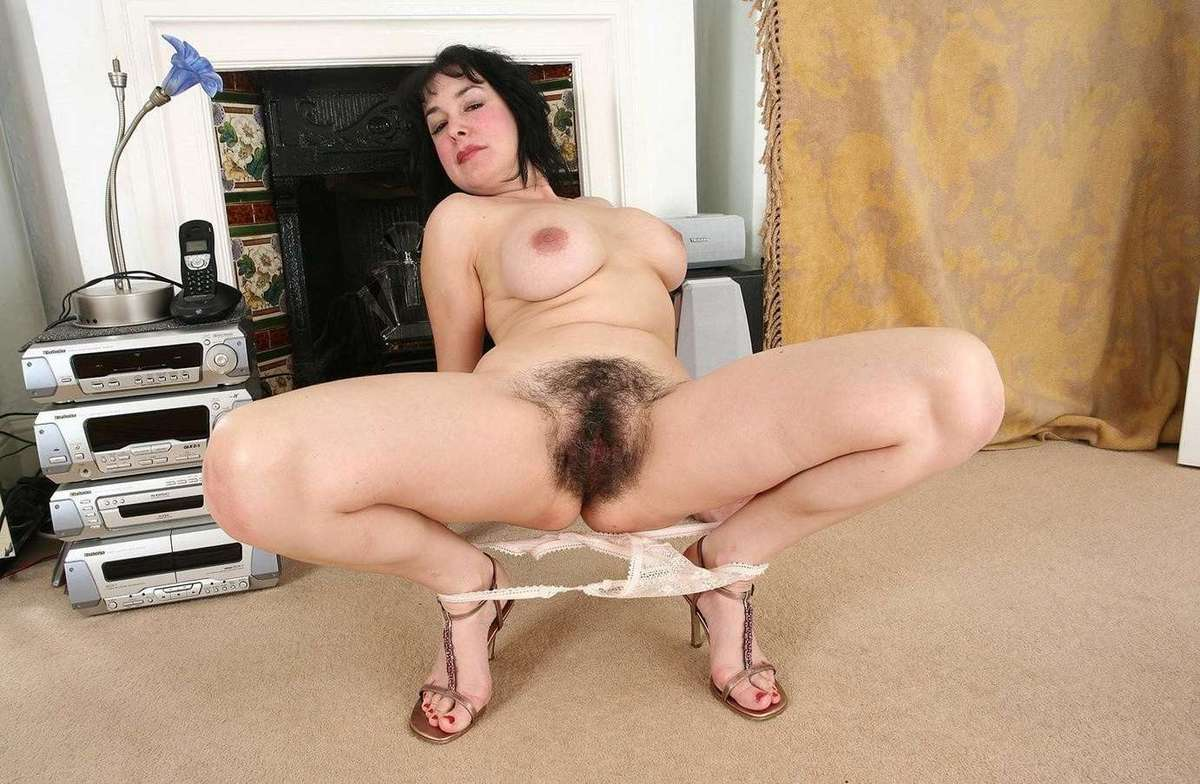 Hairy mature sample video