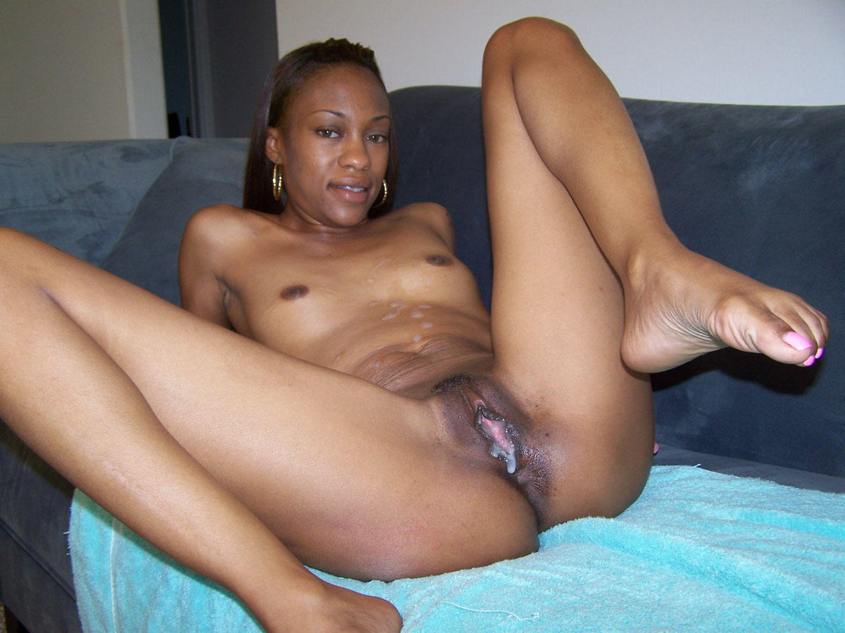 Black girl plays with pussy